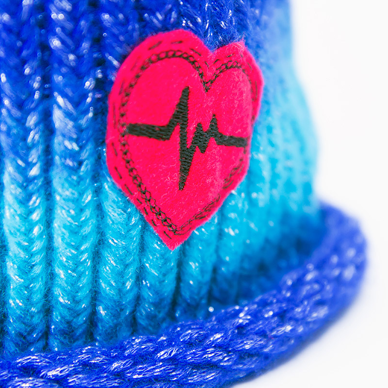 fbc-accessories-blue-beanie-red-heart2